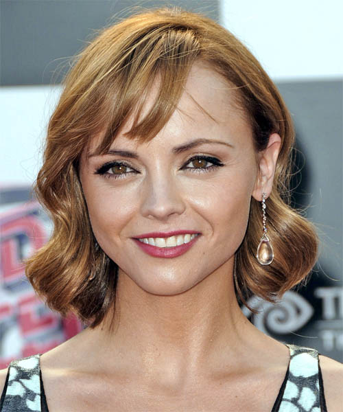 Christina Ricci - Casual Medium Wavy Hairstyle