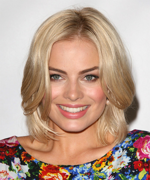 Margot Robbie Medium Straight Bob Hairstyle - Light Blonde (Champagne)