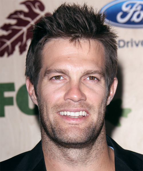 Geoff Stults Short Straight Hairstyle - Dark Brunette (Ash)