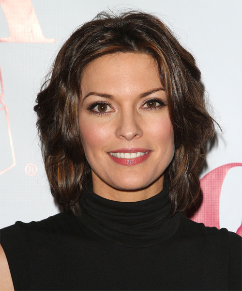 Alana De La Garza Medium Straight Hairstyle - Medium Brunette (Mocha)