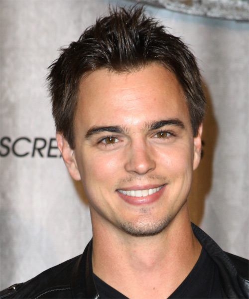 Darin Brooks Short Straight Hairstyle - Dark Brunette