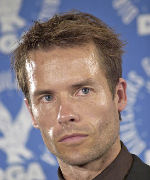 Guy Pearce - Casual Short Straight Hairstyle