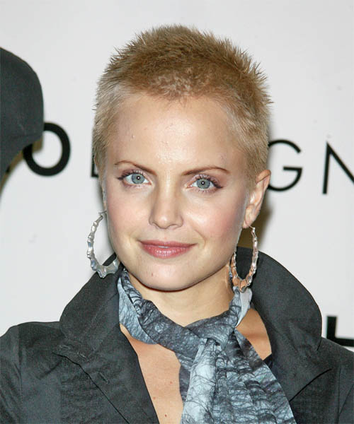 Mena Suvari Short Straight Hairstyle