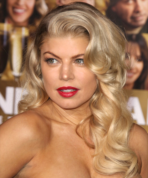Fergie Long Wavy Hairstyle - Medium Blonde (Honey)