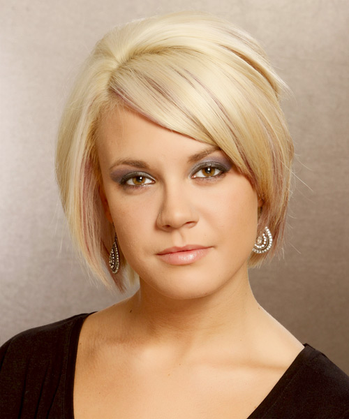 Short Straight Formal Bob Hairstyle with Side Swept Bangs (Golden)