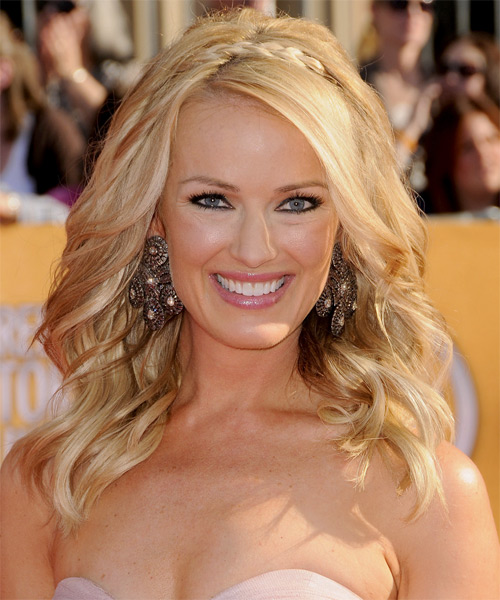 Brooke Anderson Long Wavy Hairstyle - Light Blonde (Golden)