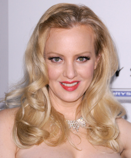 Wendi McLendon-Covey  Long Wavy Hairstyle - Light Blonde (Ash)