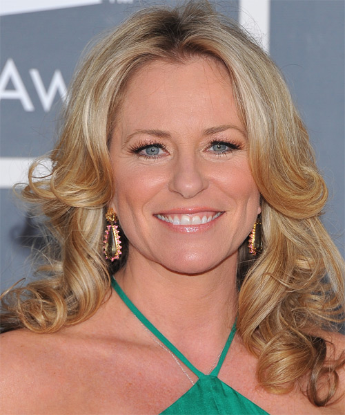Deana Carter Long Wavy Hairstyle - Medium Blonde (Golden)