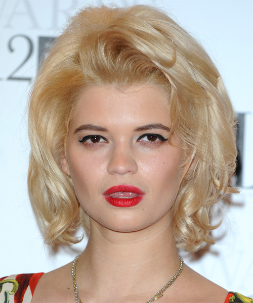 Pixie Geldof Medium Wavy Casual Bob Hairstyle - Light Blonde (Champagne) Hair Color