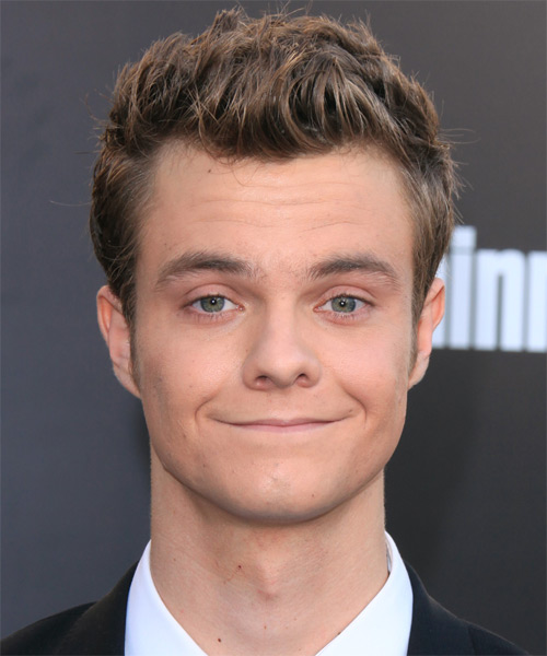 Jack Quaid Short Straight Hairstyle - Medium Brunette