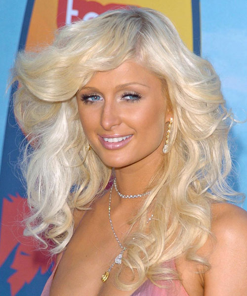 Paris Hilton Long Wavy Hairstyle (Platinum)
