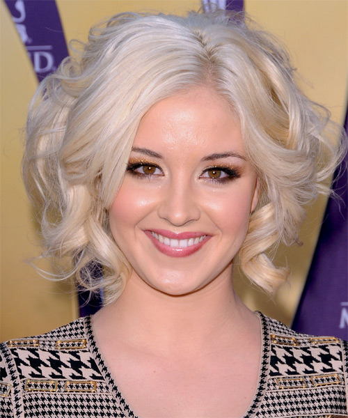 Kellie Pickler Short Wavy Bob Hairstyle - Light Blonde (Platinum)