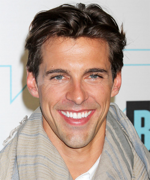 Madison Hildebrand  Short Straight Hairstyle - Medium Brunette