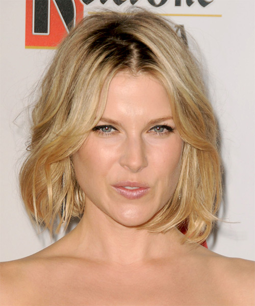 Ali Larter Medium Straight Bob Hairstyle - Medium Blonde