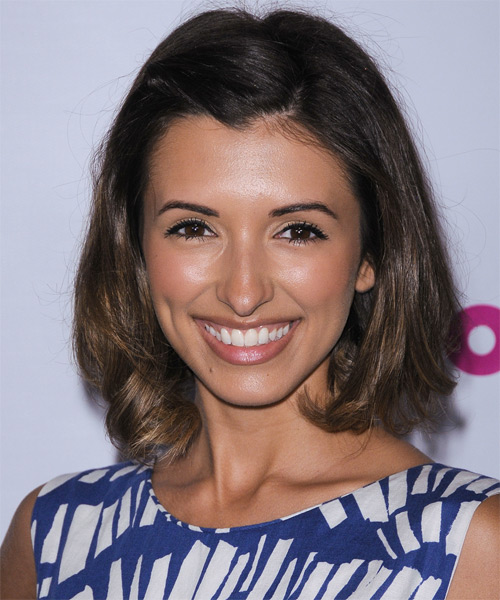 India de Beaufort Medium Straight Bob Hairstyle - Medium Brunette