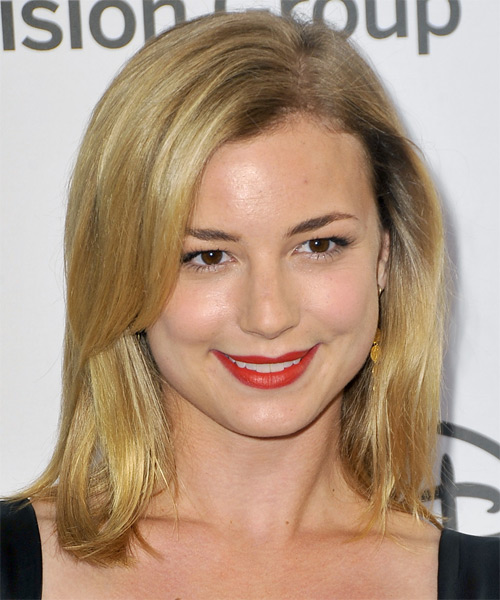 Emily VanCamp - Casual Medium Straight Hairstyle