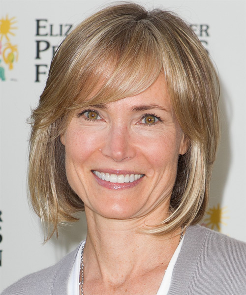 Willow Bay Medium Straight Casual Bob Hairstyle with Side Swept Bangs - Medium Blonde Hair Color