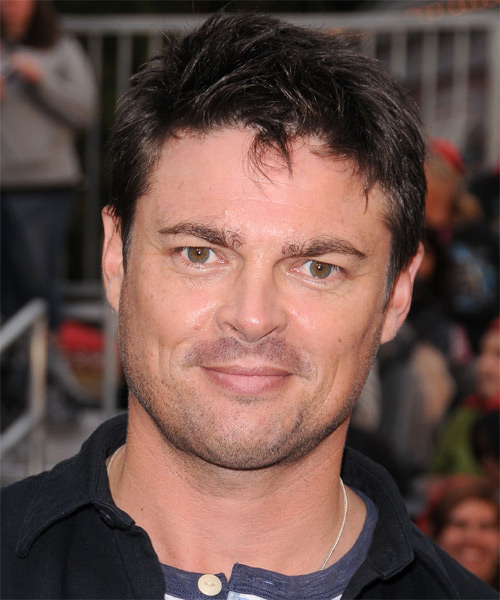 Karl Urban  Short Straight Casual Hairstyle - Dark Brunette Hair Color