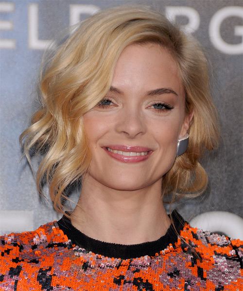 Jamie King Short Wavy Casual Bob Hairstyle - Medium Blonde (Golden) Hair Color