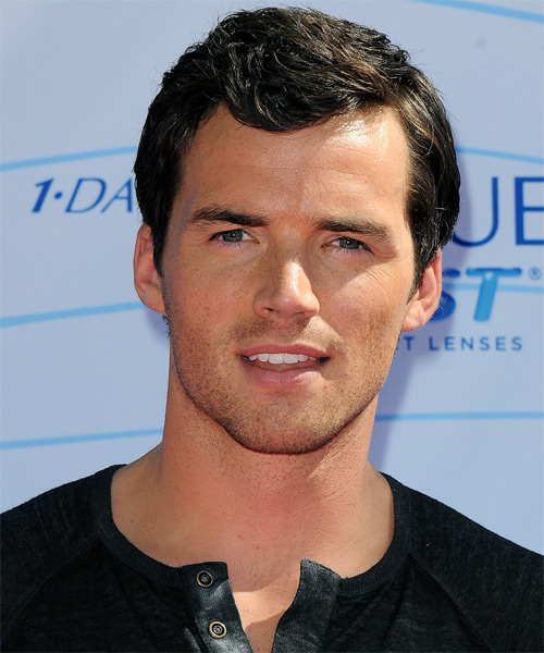 Ian Harding Short Straight Hairstyle - Black