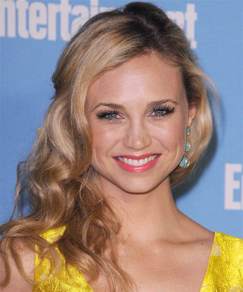 Fiona Gubelmann Long Wavy Casual Hairstyle - Medium Blonde (Champagne) Hair Color