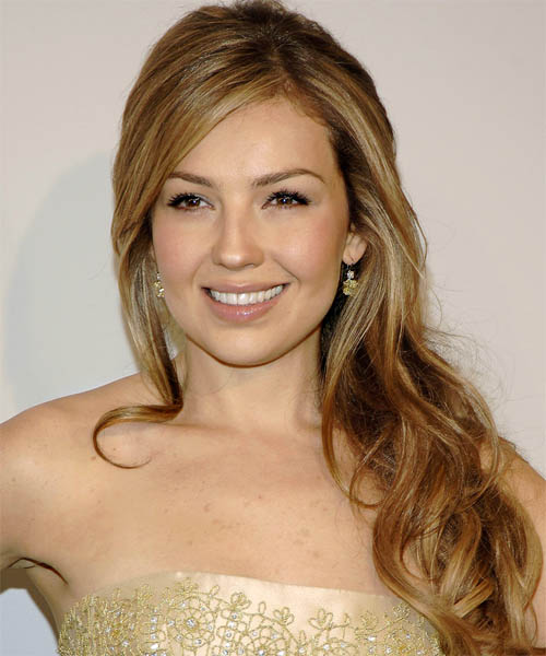 Thalia Long Wavy Hairstyle