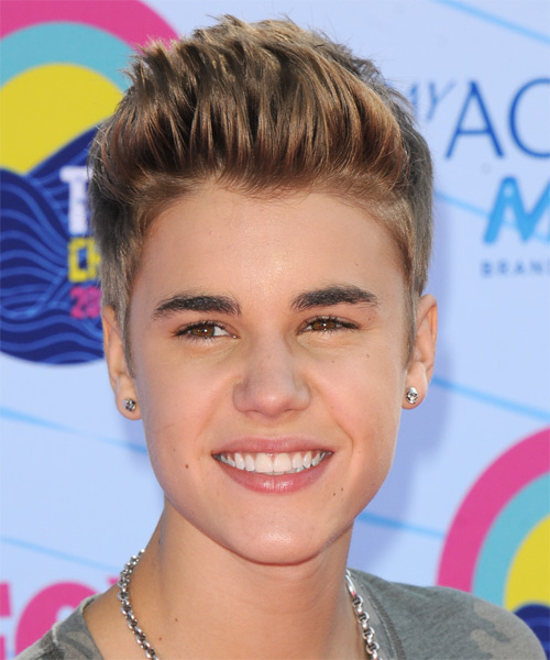 Justin Bieber Short Straight Hairstyle - Dark Blonde (Caramel)