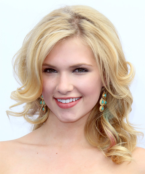 Claudia Lee Long Wavy Hairstyle - Light Blonde (Golden)