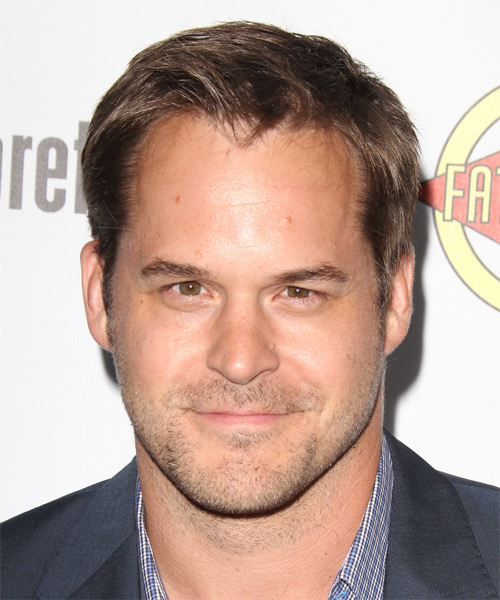 Kyle Bornheimer Short Straight Hairstyle - Light Brunette (Caramel)