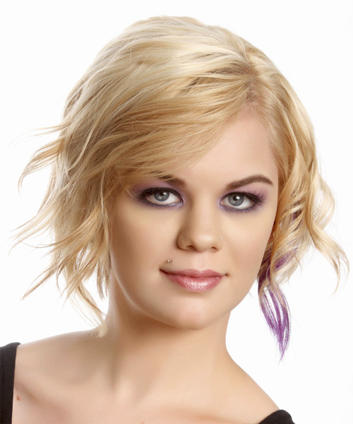 Short Wavy Casual Hairstyle - Light Blonde (Champagne)
