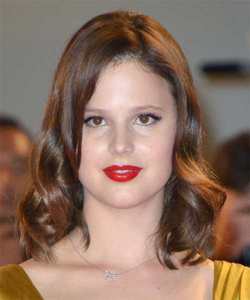 Rachel Korine Medium Wavy Hairstyle - Medium Brunette (Chestnut)