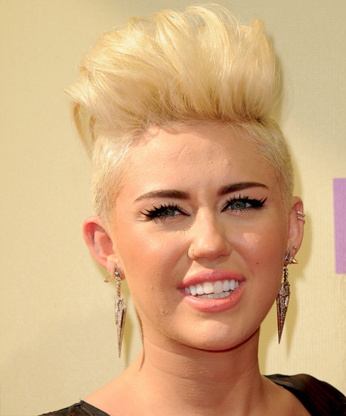 Miley Cyrus Short Straight Alternative Hairstyle - Light Blonde (Golden) Hair Color