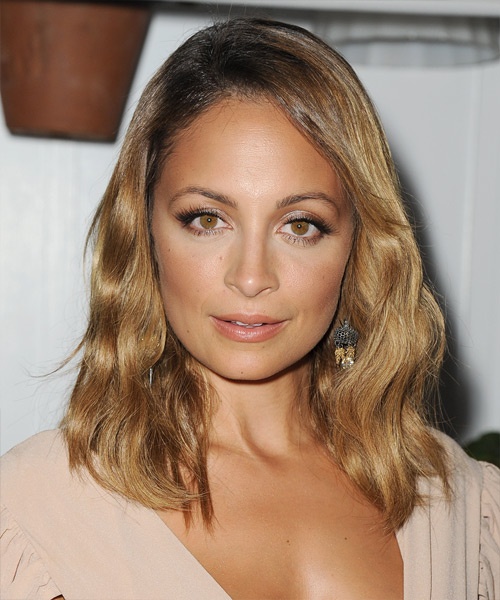 Nicole Richie Medium Wavy Hairstyle - Dark Blonde