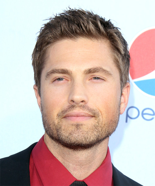 Eric Winter Short Straight Casual Hairstyle - Medium Brunette Hair Color