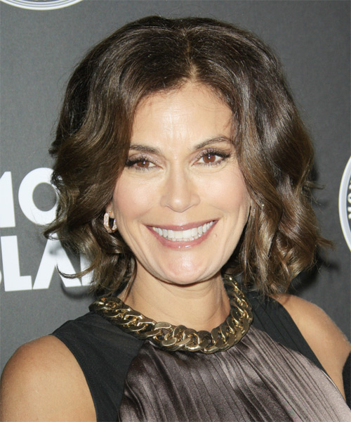 Teri Hatcher Medium Wavy Bob Hairstyle - Medium Brunette (Ash)