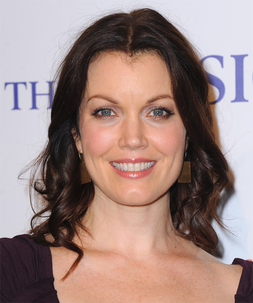 Bellamy Young Medium Wavy Hairstyle - Medium Brunette (Mocha)