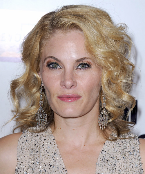 Marisa Zanuck Medium Wavy Hairstyle - Medium Blonde (Golden)