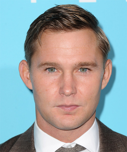 Brian Geraghty Short Straight Formal Hairstyle - Medium Brunette Hair Color