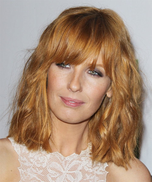 Kelly Reilly Medium Wavy Casual Hairstyle with Blunt Cut Bangs - Medium Blonde (Strawberry) Hair Color