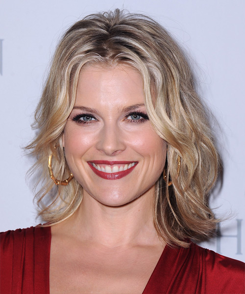 Ali Larter Medium Wavy Casual Hairstyle - Medium Blonde (Champagne) Hair Color