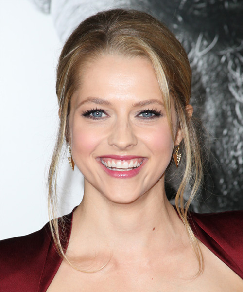 Teresa Palmer Straight Formal Updo Hairstyle - Medium Blonde Hair Color