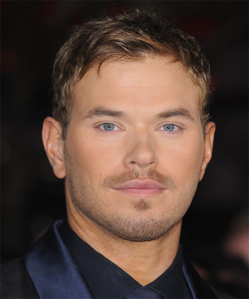 Kellan Lutz Short Straight Casual Hairstyle - Medium Brunette Hair Color