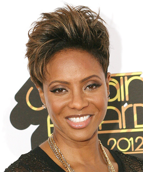 MC Lyte Short Straight Hairstyle - Dark Brunette