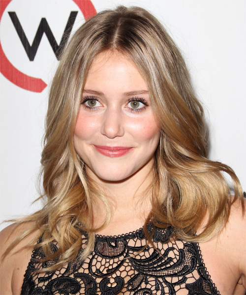 Julianna Guill - Casual Medium Wavy Hairstyle