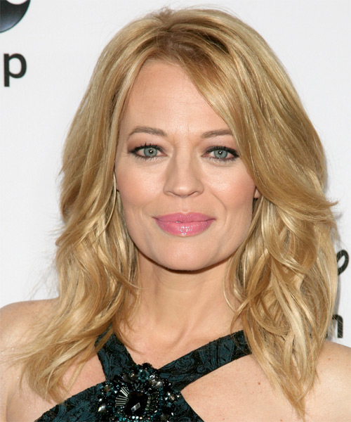 Jeri ryan medium wavy casual hairstyle golden thehairstyler com