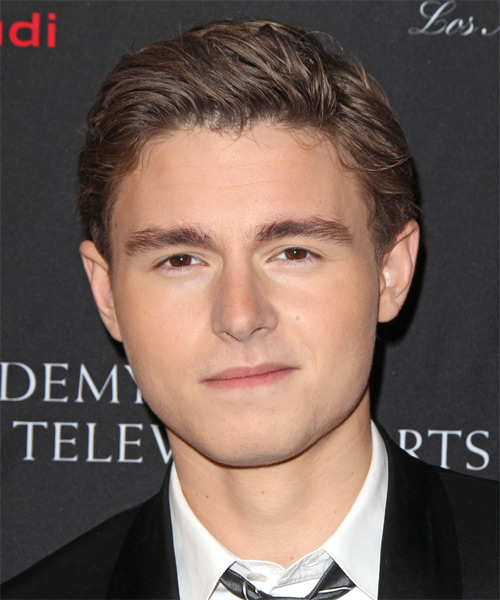Callan McAuliffe Short Straight Hairstyle - Medium Brunette (Chocolate)