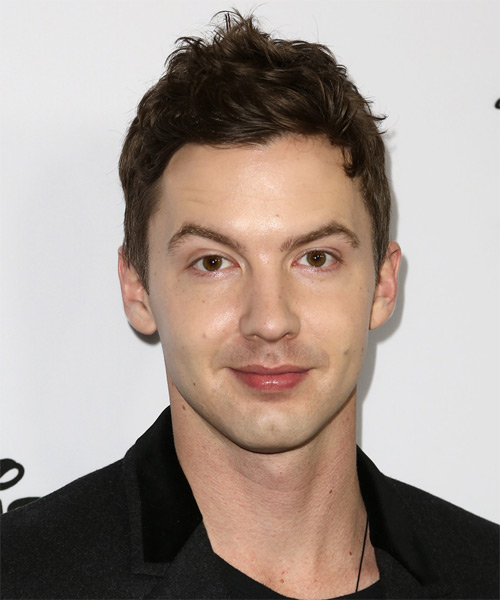 Erik Stocklin Short Wavy Hairstyle - Medium Brunette (Ash)