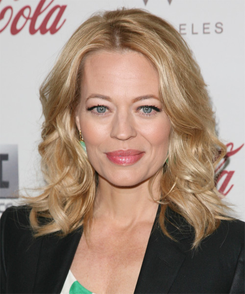 Jeri Ryan Medium Wavy Casual