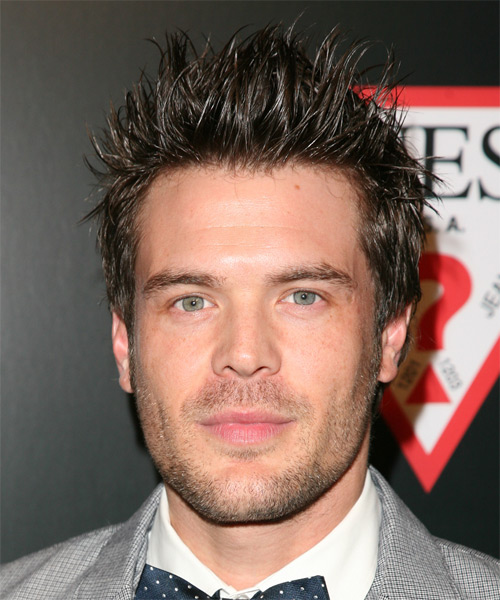 Charlie Weber Short Straight Hairstyle - Dark Brunette