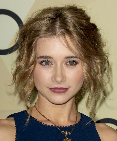 Olesya Rulin -  Hairstyle